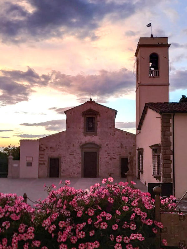 bed_and_breakfast_la_pieve_vista_chiesa_romanica_tramonto